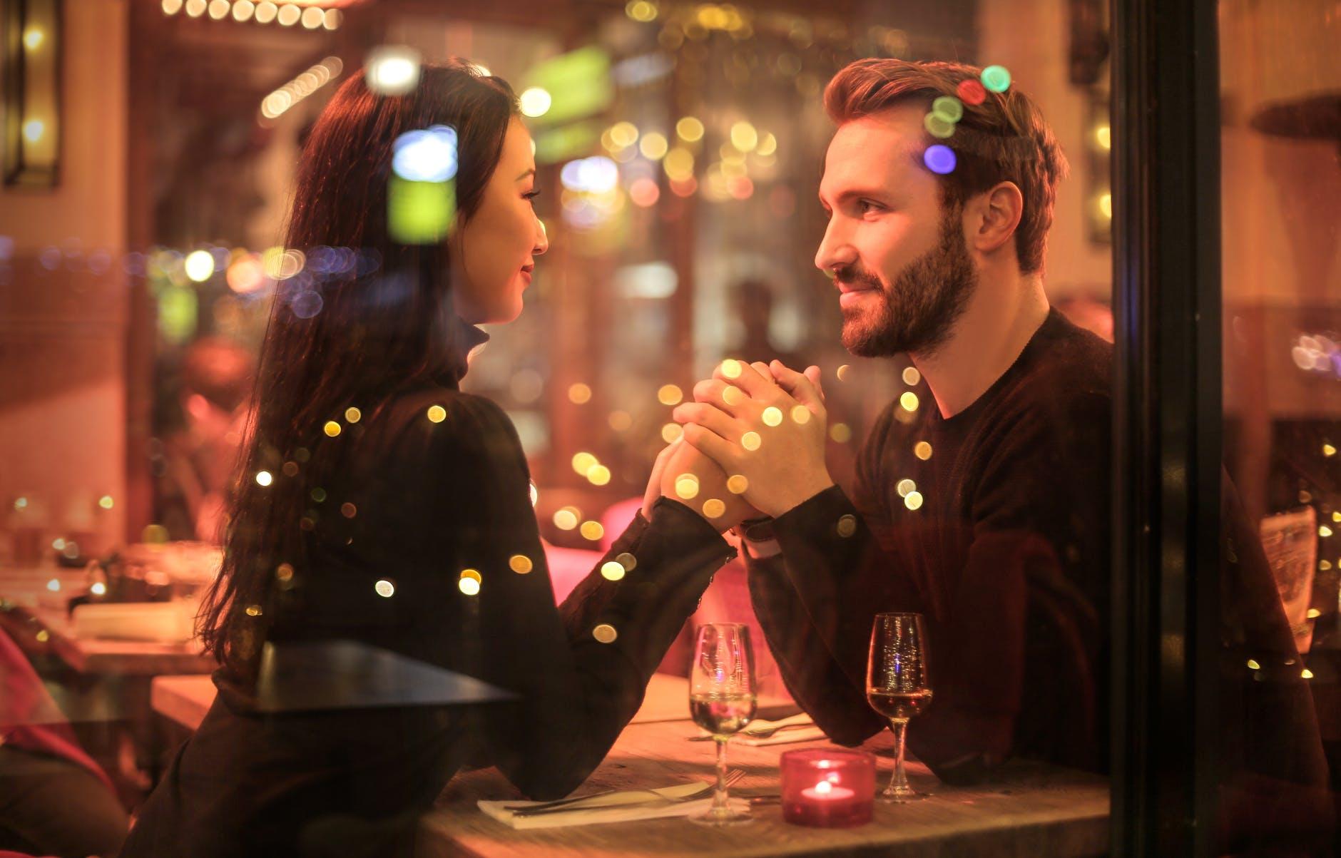 dating เนเธอร์แลนด์ที่ประชุมดัตช์ผู้หญิงและผู้ชายเว็บไซต์หาคู่ออนไลน์